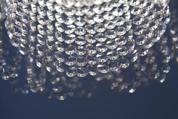 Хрустальные люстры: особенности и преимущества